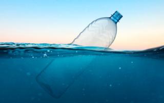 Come ridurre il consumo di plastica, a casa e fuori